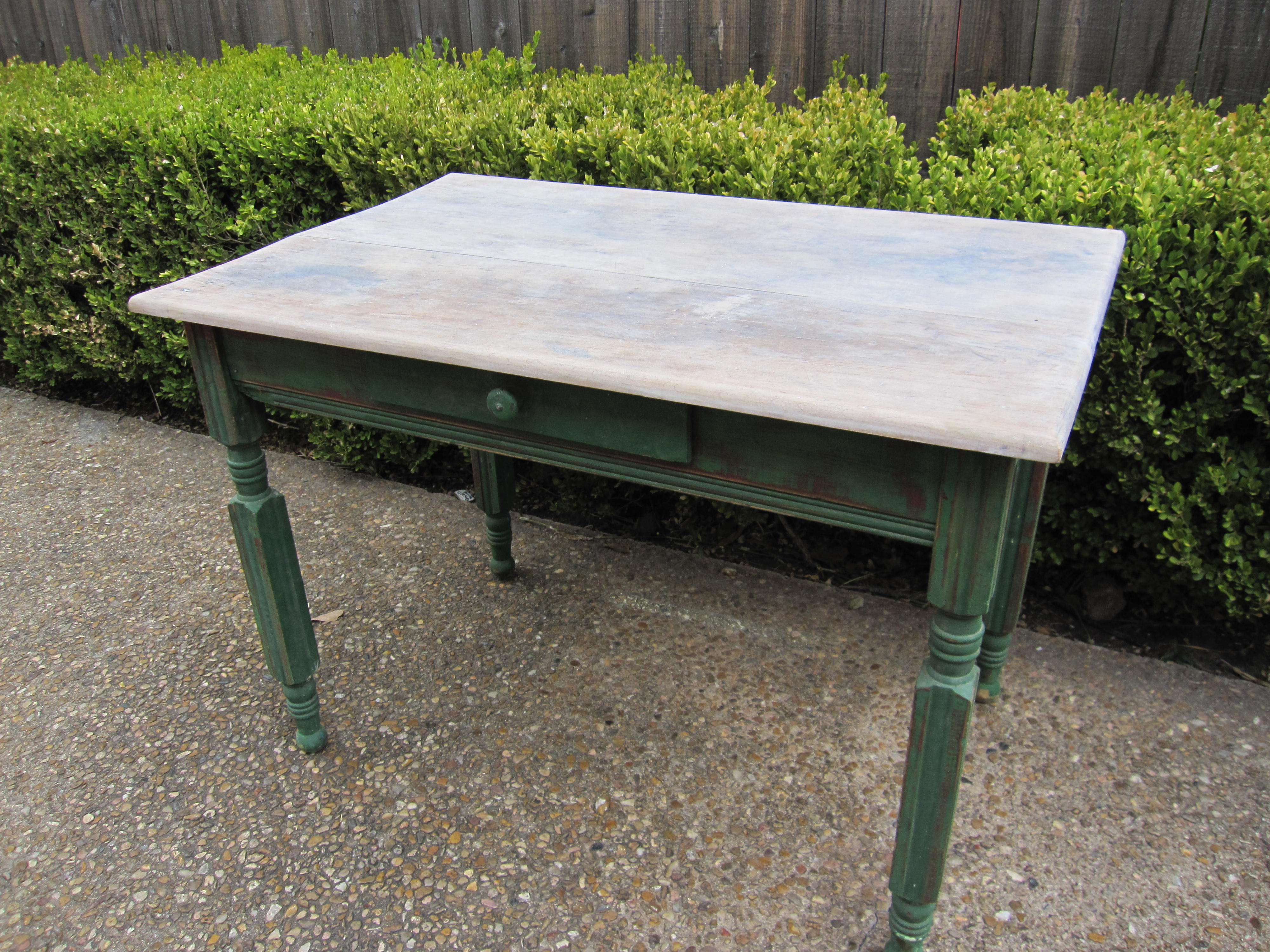 sweet garden table - Refinishing Wood Table